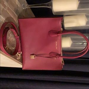 Like new wine Michael kors purse.